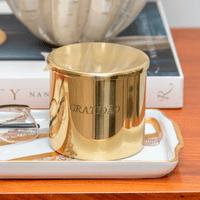 porta-velas-com-tampa-dourado-gratidao-casadorada-ambientada