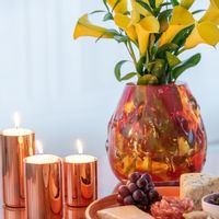 vaso-espinhos-multi-vermelho-chocolate-by-carol-gay-ambientada